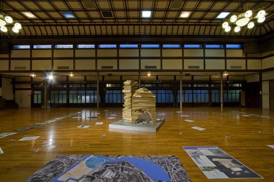 彦坂尚嘉皇居美術館2.jpg